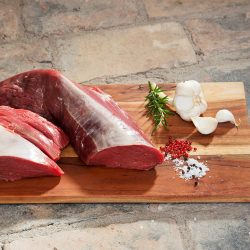 Beidseitig an der Lende des Rindes gelegen, woraus das besonders zarte und kurzfaserige Filetsteak geschnitten wird; Edelstes Stück des Rindes